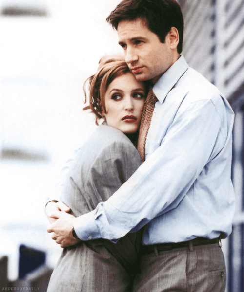 The X Files Revival Is Happening; David Duchovny, Gillian Anderson & Chris Carter All Onboard